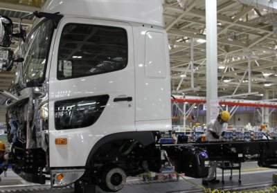 Latest generation Hino 500 trucks being built at new Koga factory